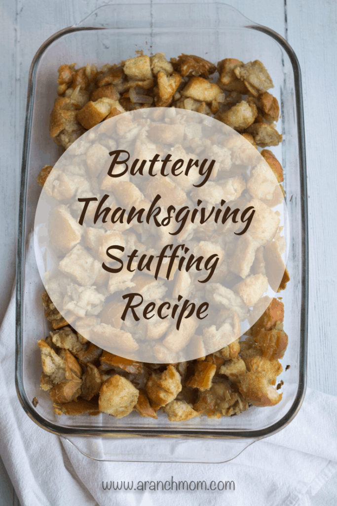 Buttery Thanksgiving Stuffing