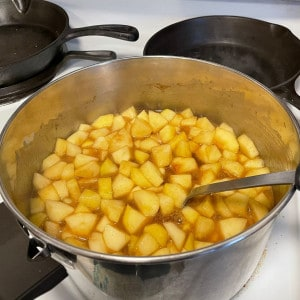 apple pie filling on stove